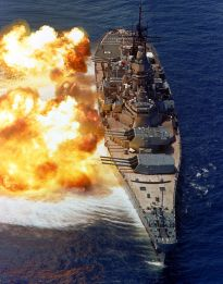 USS_Iowa_BB61_broadside_USN